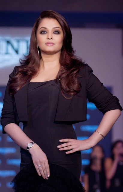 Actress Aishwarya Rai Hot Pics IN Black Dress