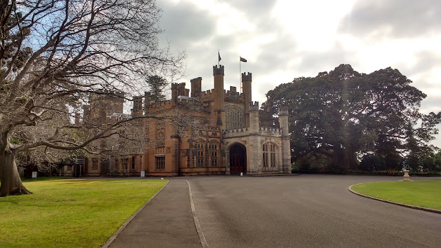 Photo of Sydney Government House and driveway