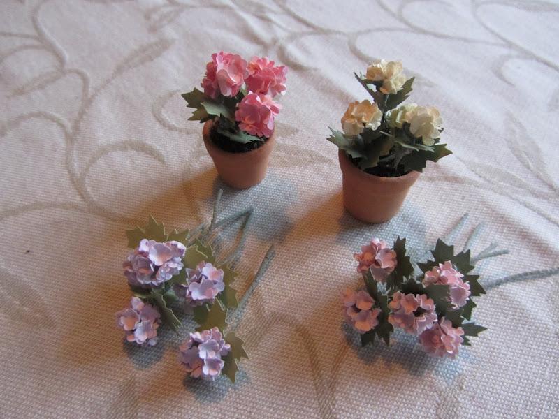 7e03ba3f275 Vinranka, pelargonior, hortensior och ett försök till riddarsporre