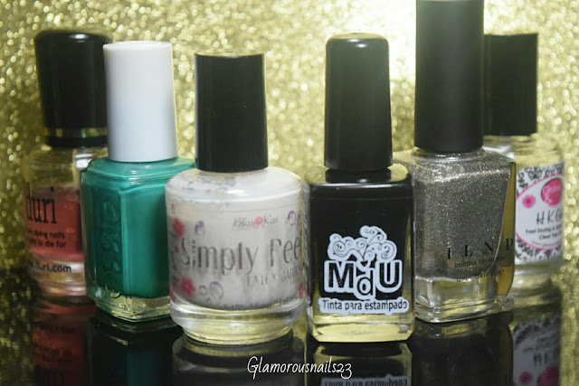 Duri Rejuvacote, Essie Ruffles & Feathers, Bliss Kiss Simply Peel Latex Barrier, Mundo De Unas Black, ILNP Fame, Glisten & Glow HK Girl Fast Drying Top Coat