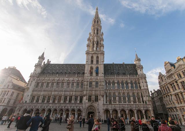 fotografía de la Gran Plaza de Bruselas o Grand Place o Grote Markt
