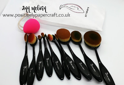 Make-up brushes to blend Ink, Papercrafts,