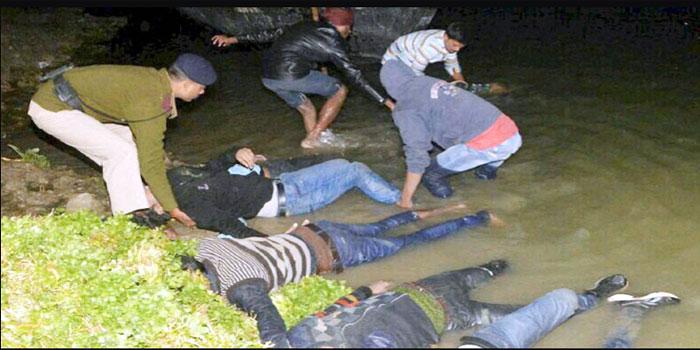 अभी-अभी : नववर्ष मनाने जा रहे बच्चों की नाव पलटी, गंगा में लापता हो गए 3 मासूम