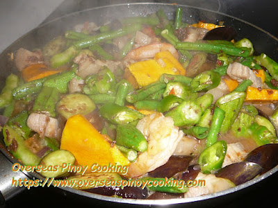 Pinakbet Tagalog - Cooking Procedure