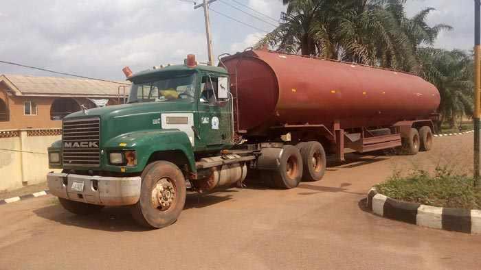 Photos: Pipeline Vandals Desert Tanker When Apprehended With Stolen Fuel In Ogun State
