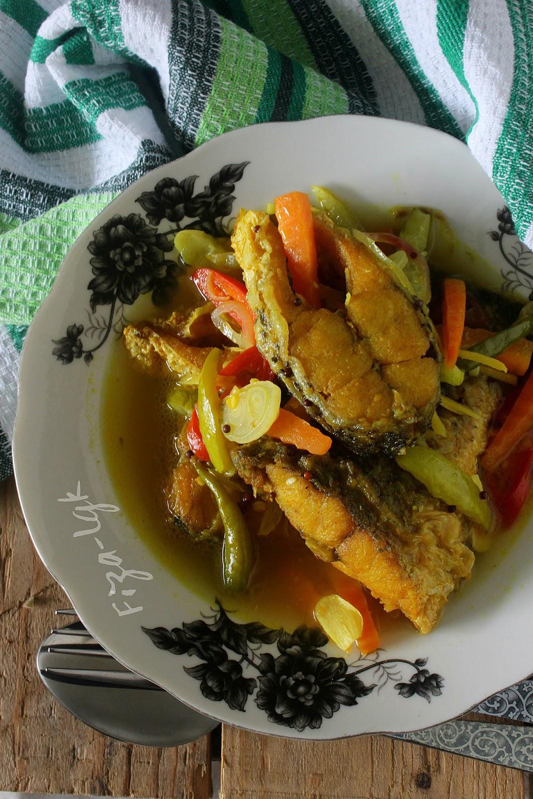 IKAN MASAK CUKA SEDAP | Fiza's Cooking