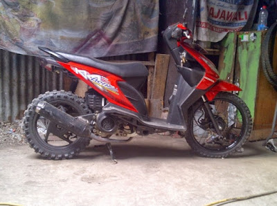 Modif Beat FI Warna Merah Motor Trail