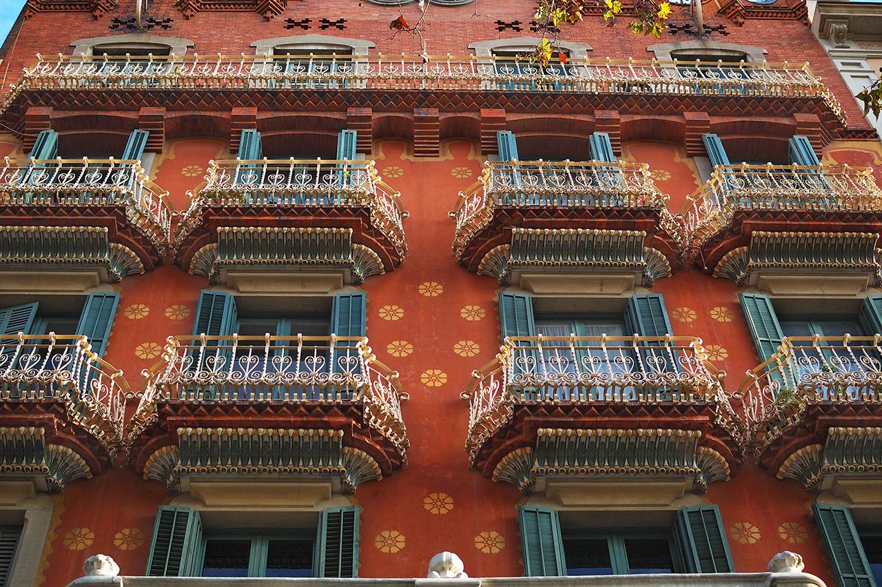 Casa Enric Laplana or Casa Mundó or Casa Estapé by Bernardi Martorell i Puig - Late Modernisme, Passeig de Sant Joan 6, Barcelona