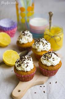 (Cupcakes cytrynowo-kokosowe