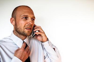 Kiat Sukses Menagih Hutang Dengan Telepon, Email, WhatsApp dan SMS