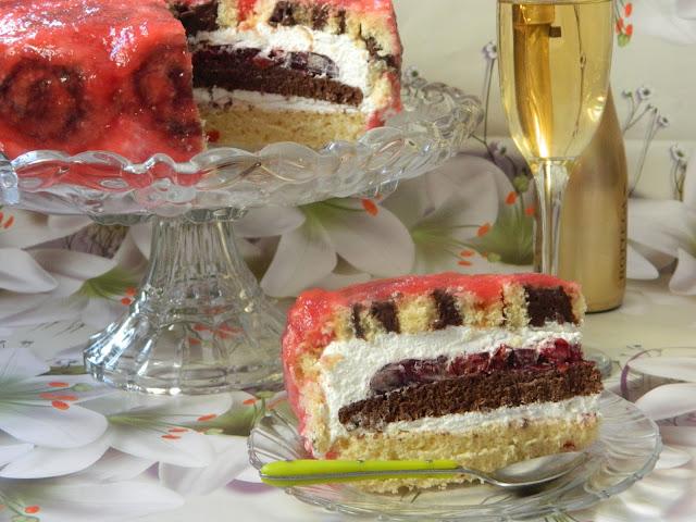 Tort cu crema de branza si jeleu de visine