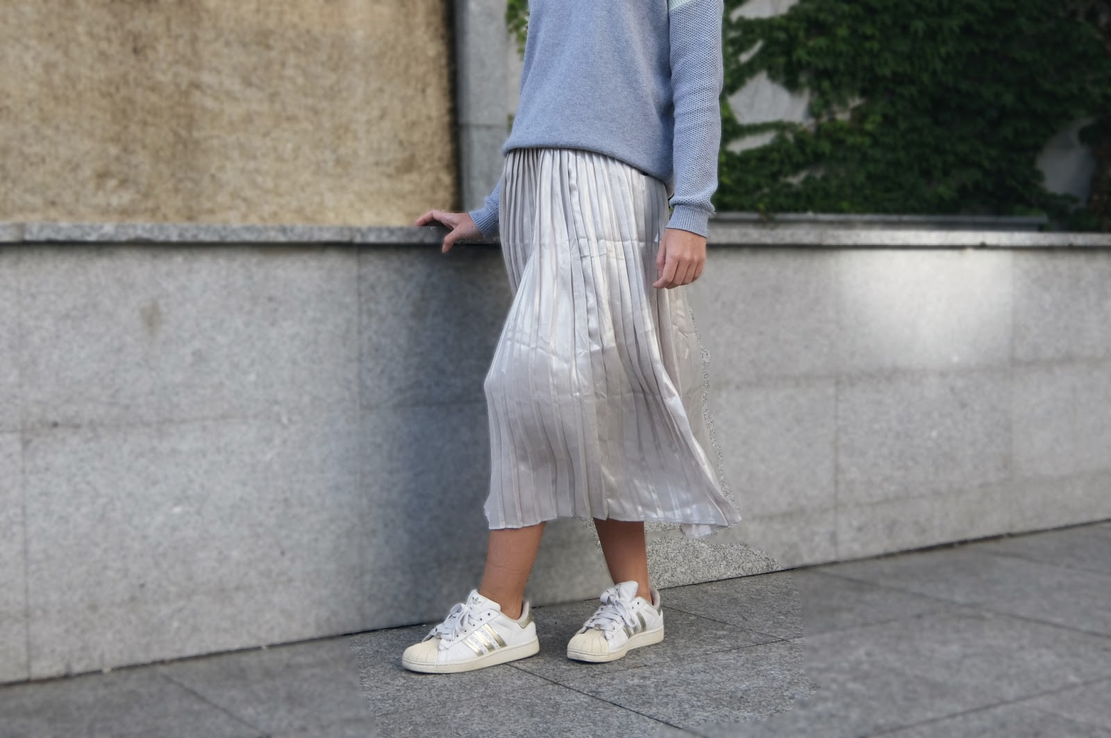 Jak nosić plisowaną spódnicę tej jesieni