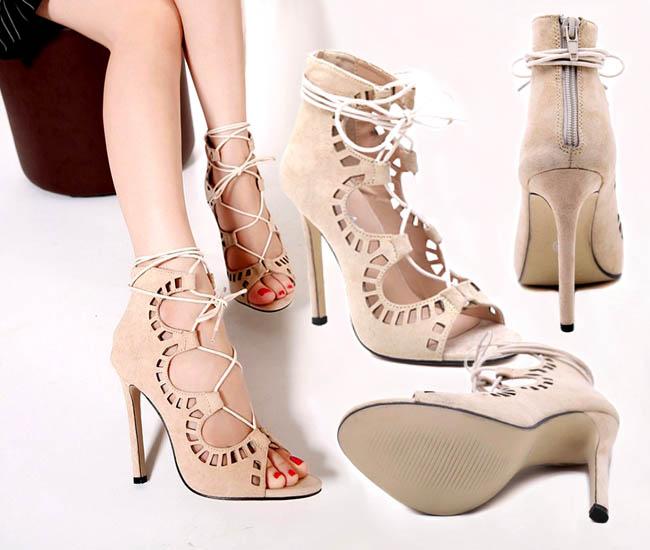 Penampilan sepatu hak tinggi bertali model terbaru tak kalah stylish  dibandingkan pendahulunya yang mengadopsi model lace-up flat. 055d944158
