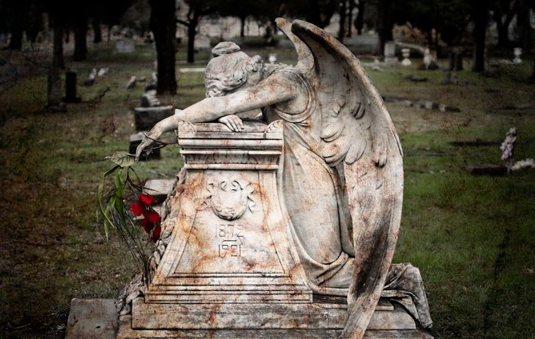 angel of gothic tombstone - photo #11