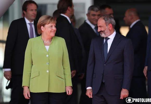 "Merkel: ""Alemania apoyará a Armenia"""