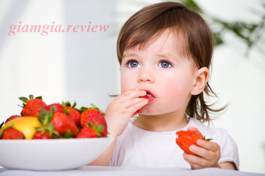Lợi ích của quả dâu tây với trẻ ăn dặm, cách chọn dâu tây ngon cho bé
