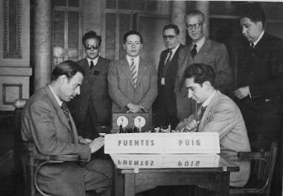 I Torneo Nacional de Ajedrez de Lérida 1948, partida Puig-Fuentes