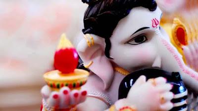 little-ganeshji-hugging-shivling-photos