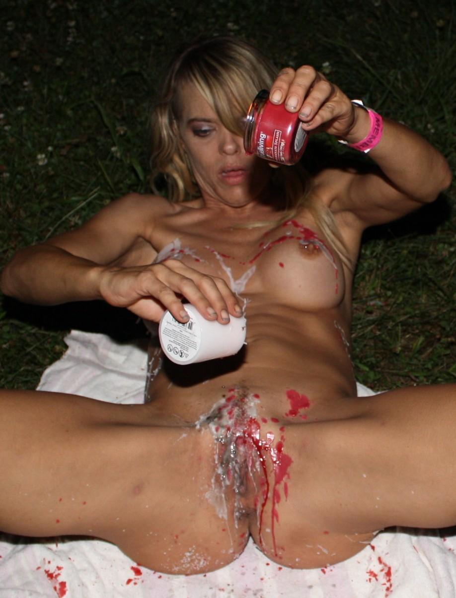 Exotic Female Oil Wrestling 92