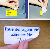 Aufkleber mit ablösbarem Klebstoff mühelos entfernen