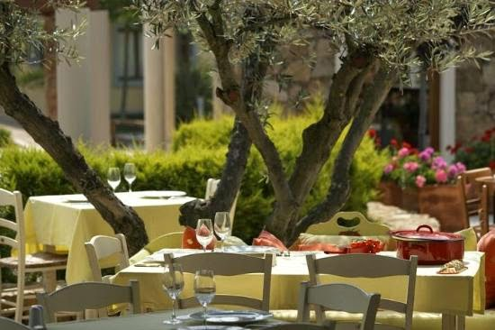 http://www.sani-resort.com/el_GR/your-stay/dining-and-bars/item/tomata