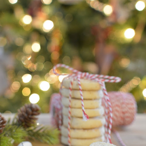 Mom's Traditional Shortbread Cookies With Lavender