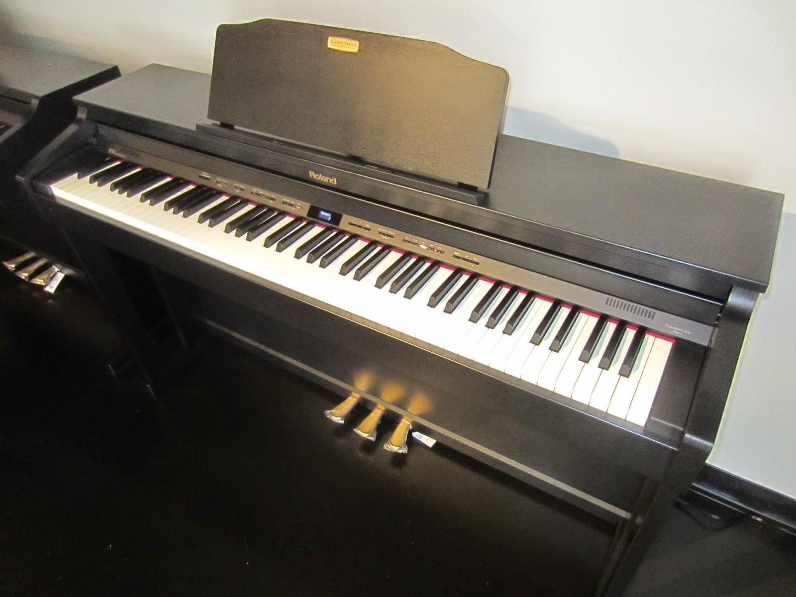 Roland HP504, HP506, HP508 digital pianos