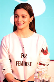 Alia Bhatt looks super cute in T Shirt   IMG 7778.JPG