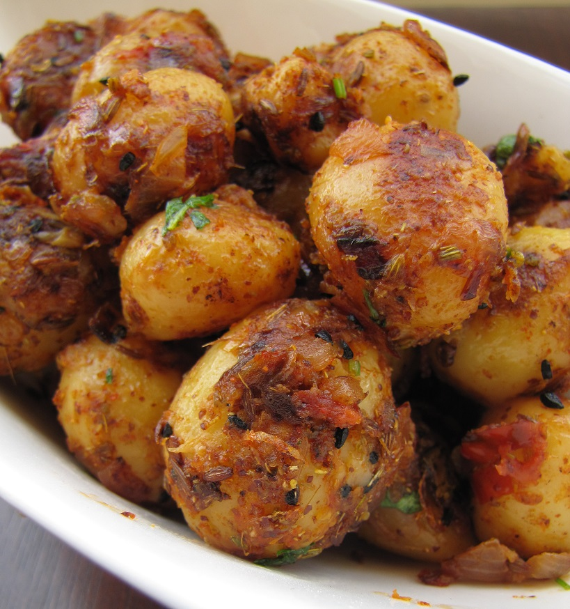 Super Yummy Recipes: Achari Aloo / Spicy Pickled Baby Potatoes