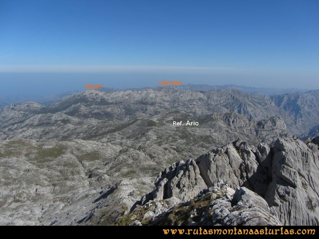 Ruta Ercina, Verdilluenga, Punta Gregoriana, Cabrones: Vista desde la Verdilluenga del Cabezo Llerosos y Jascal