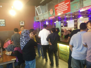 Beratur Laksa Telur Goreng Bersarang di Bandar Seri Botani Ipoh Perak