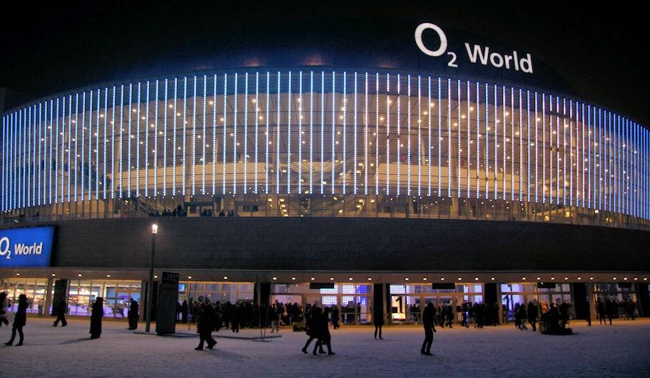 aus der o2 world berlin wird die mercedes-benz arena berlin