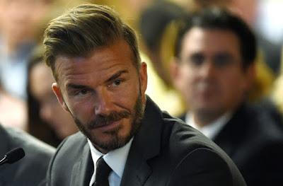 El ex astro del fútbol británico David Beckham a un público en Londres, que a pesar de que no es judío, se siente como un miembro de la comunidad.