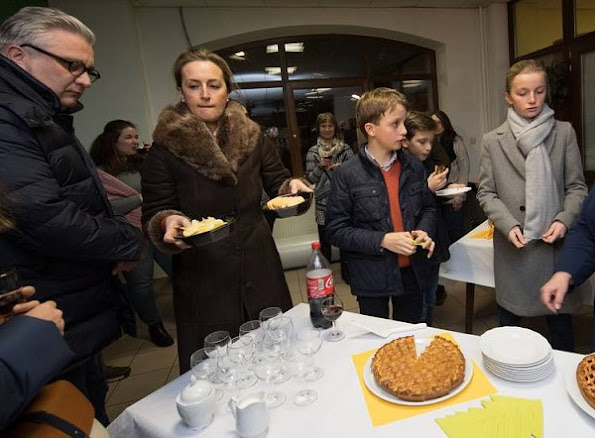 Prince Laurent, Princess Claire, Prince Nicolas, Prince Aymeric and Princess Louise of Belgium visited a shelter for the homeless and their dogs. Kotur winter sale