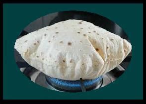 पहली रोटी किसे और क्यों दे? Roti banaate samay pahli roti kise deni chahiye aur kyon?