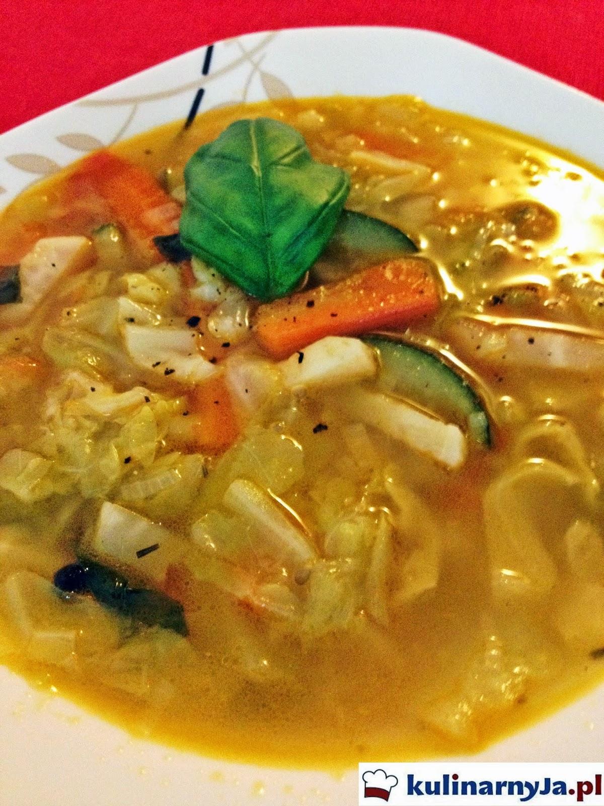 Zupa jarzynowa z młodą kapustą
