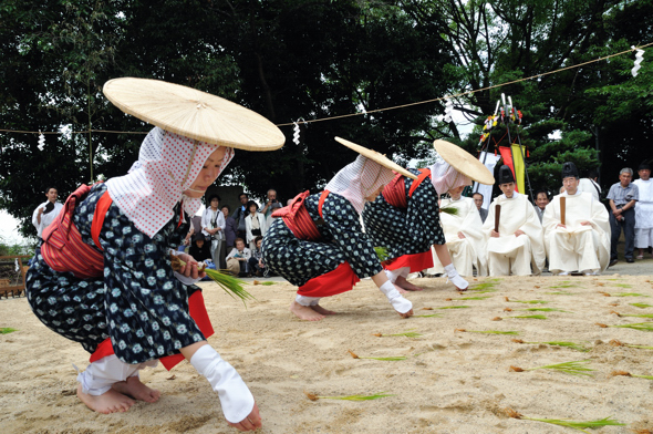 Den Den Matsuri at Isonokami Shrine, Tenri City, Nara
