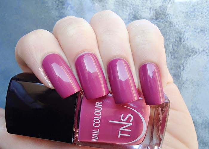 TNS Cosmetics Très Chic