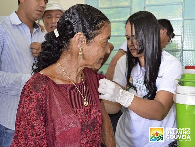 Vacinação contra a Febre Amarela imuniza 298 pessoas em Delmiro Gouveia durante o Governo em Ação no Distrito Sinimbu