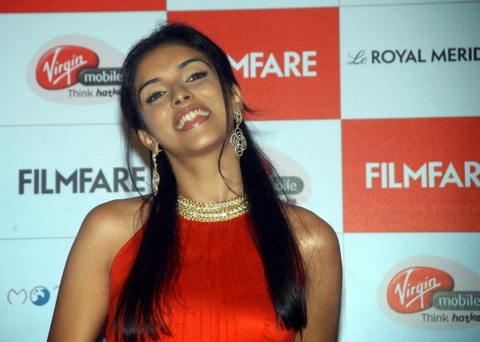 Asin Hd Wallpapers Asin Biography Bollywood Actress Photos: High Resolution Pictures