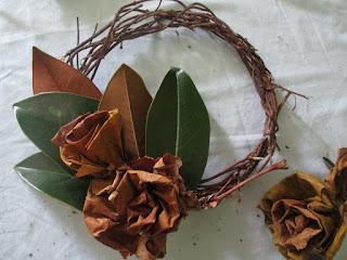 Decorazioni Natalizie Con Foglie Di Magnolia.Decorazioni Natalizie Con Foglie Di Magnolia