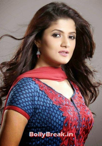 3. Srabanti Chatterjee: Srabanti Chatterjee is one of the senior members in this list. But, she is still looking young and energetic to grab her position at the third place in this list. Her husband Rajib is a director of Bengali and Hindi films, Bengali Actresses Hot Photos - Top 10 Bengali Actress