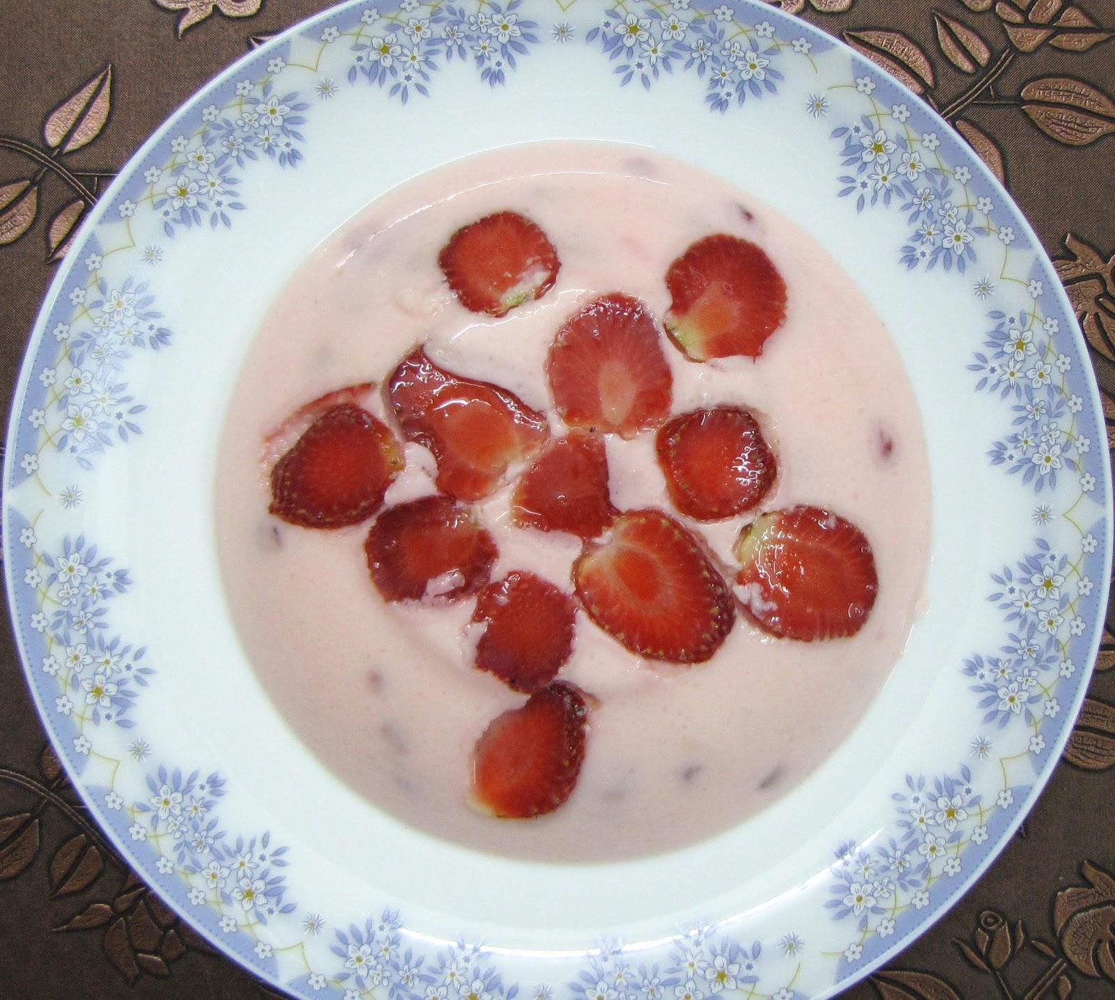 Strawberry Custard Pudding – Grammars of cooking
