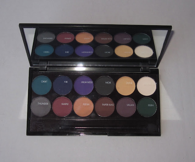 Sleek i-Divine ultra mattes darks V2 palette