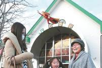 東日本大震災で大きな被害を受けた東北沿岸部で久しぶりの再会