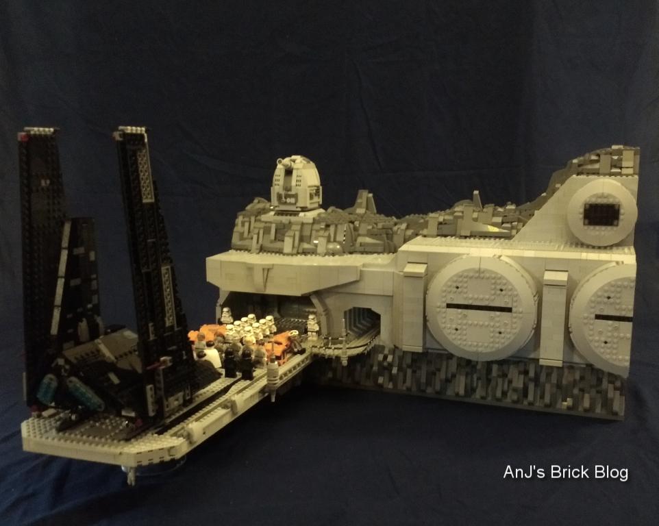 AnJ's Brick Blog: Lego Moc: Eadu Kyber Refinery