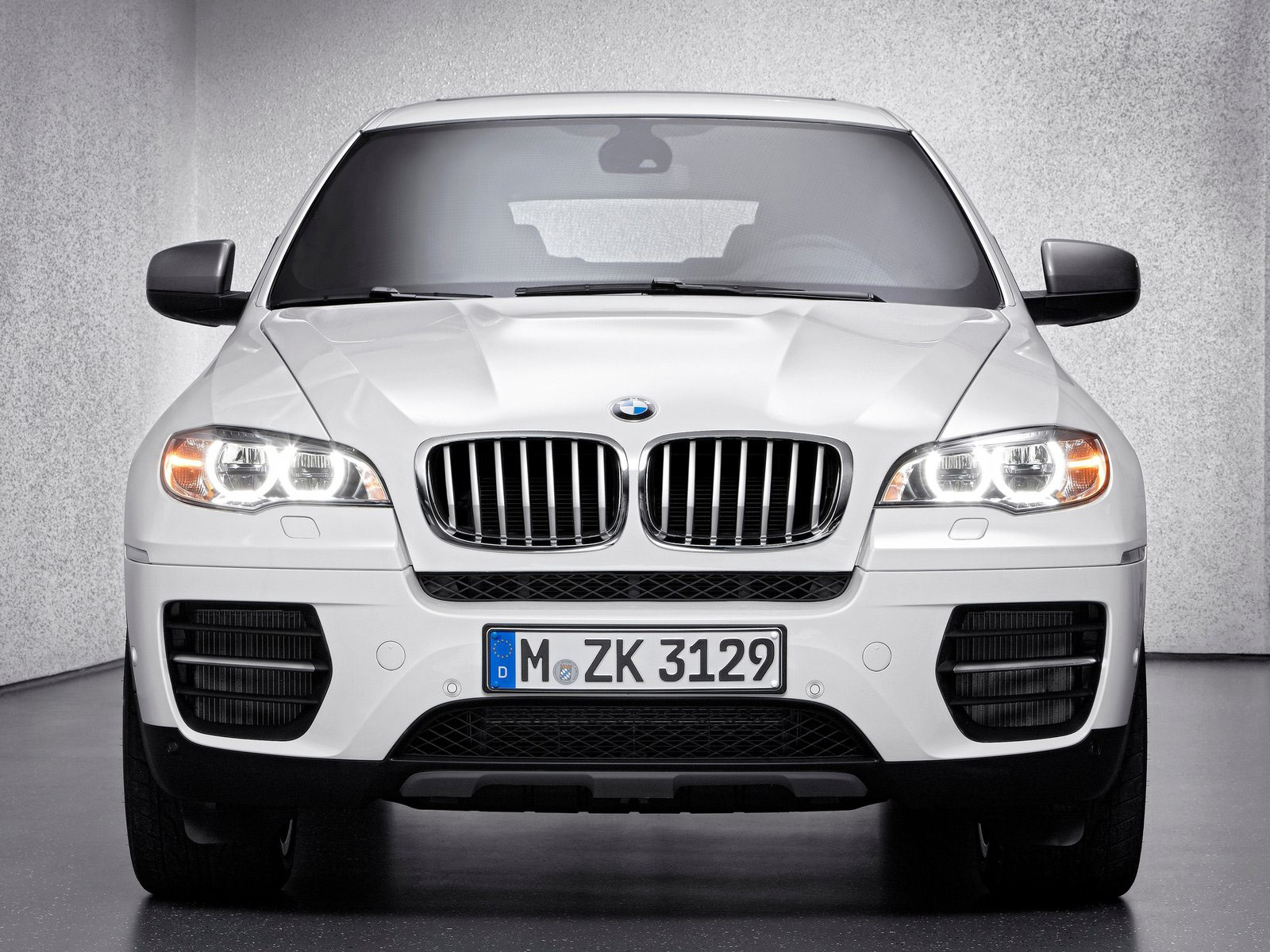 gambar mobil 2013 bmw x6 m50d pictures and review. Black Bedroom Furniture Sets. Home Design Ideas