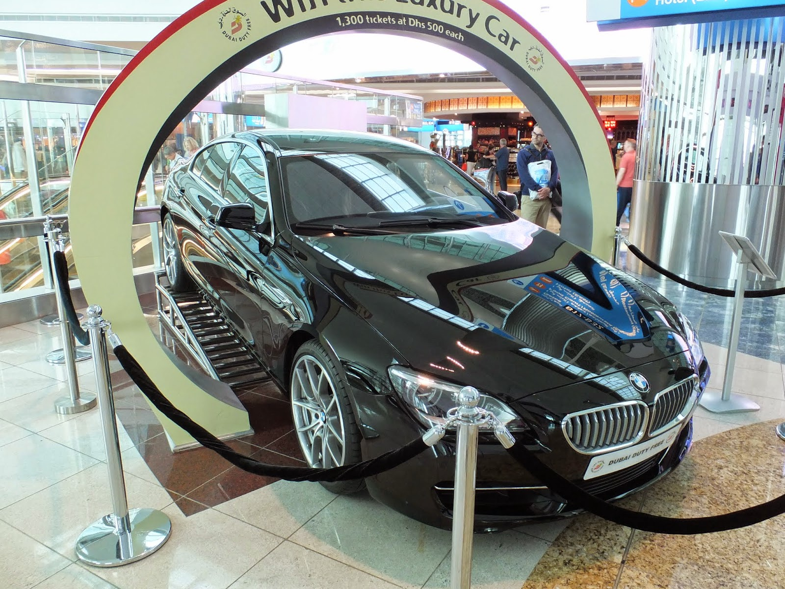dubai-airport ドバイ国際空港3 with BMW