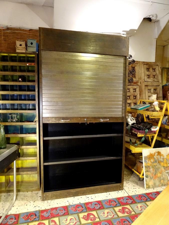 Brocante d coration un nouveau monde armoire rideau industrielle m tal patin - Brocante mobilier industriel ...