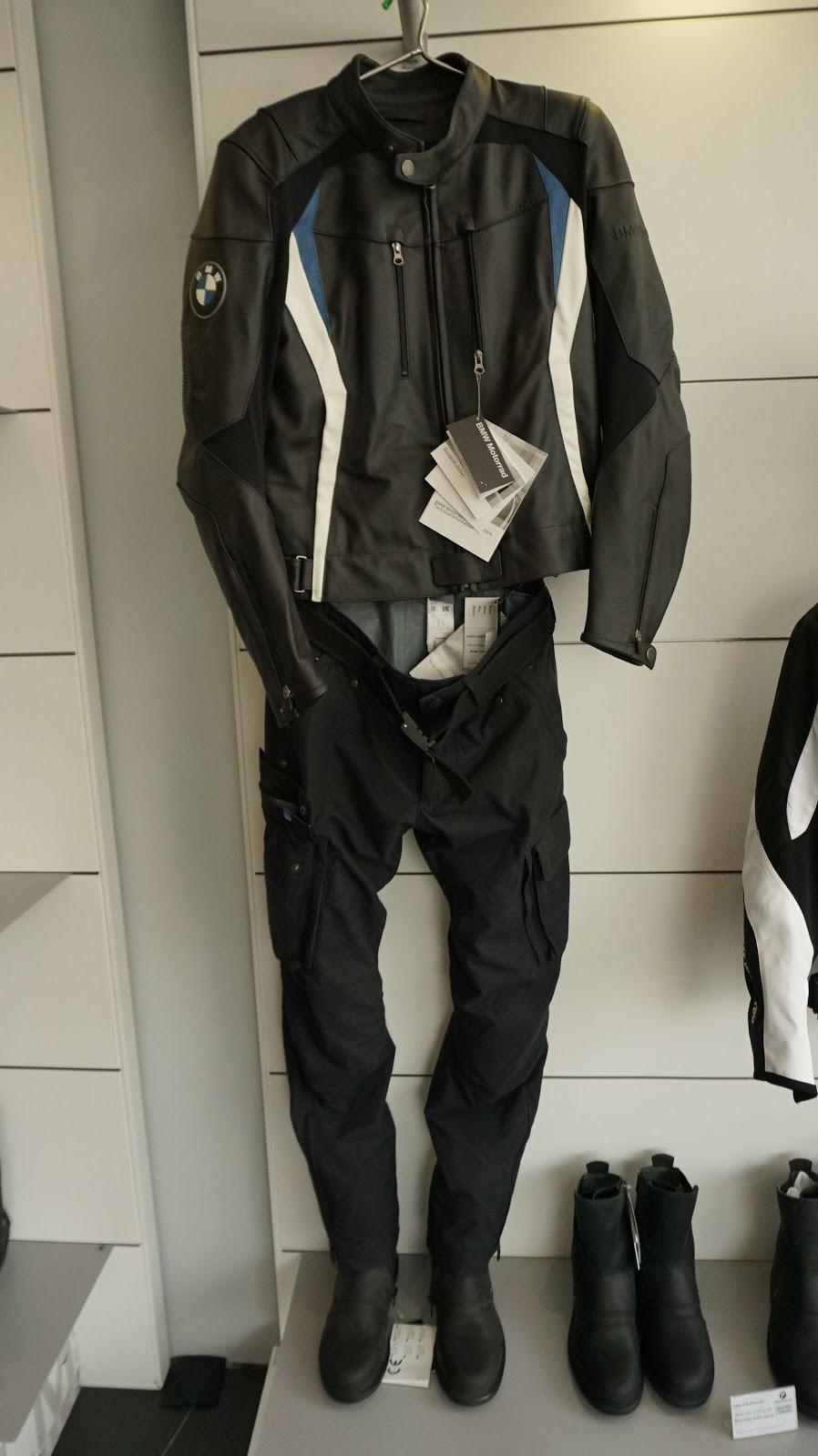 Nếu là biker thứ thiệt, việc trang bị một bộ đồ như thế này là cực kỳ cần thiết